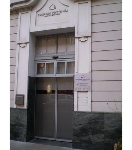 Automatické posuvné dvere