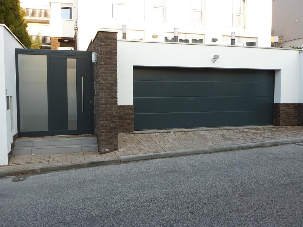 Domová brána a garážová brána